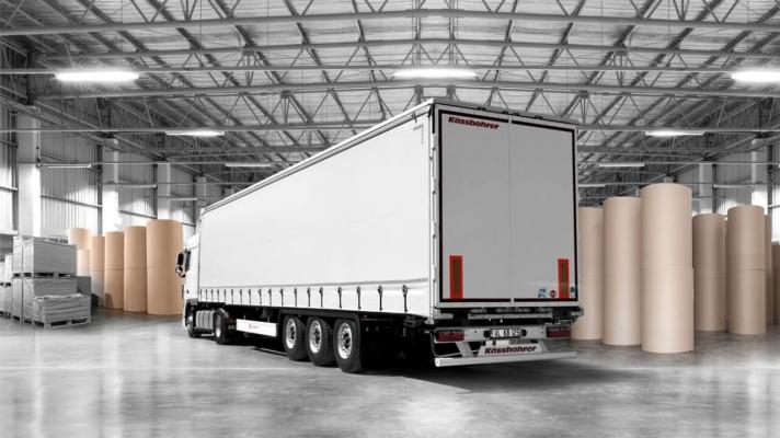 Semiremorcă transport role de hârtie
